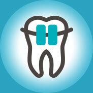 źle dopasowane protezy zębowe, aparaty ortodontyczne